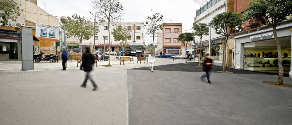 La Salut Market Square / Vora Arquitectura