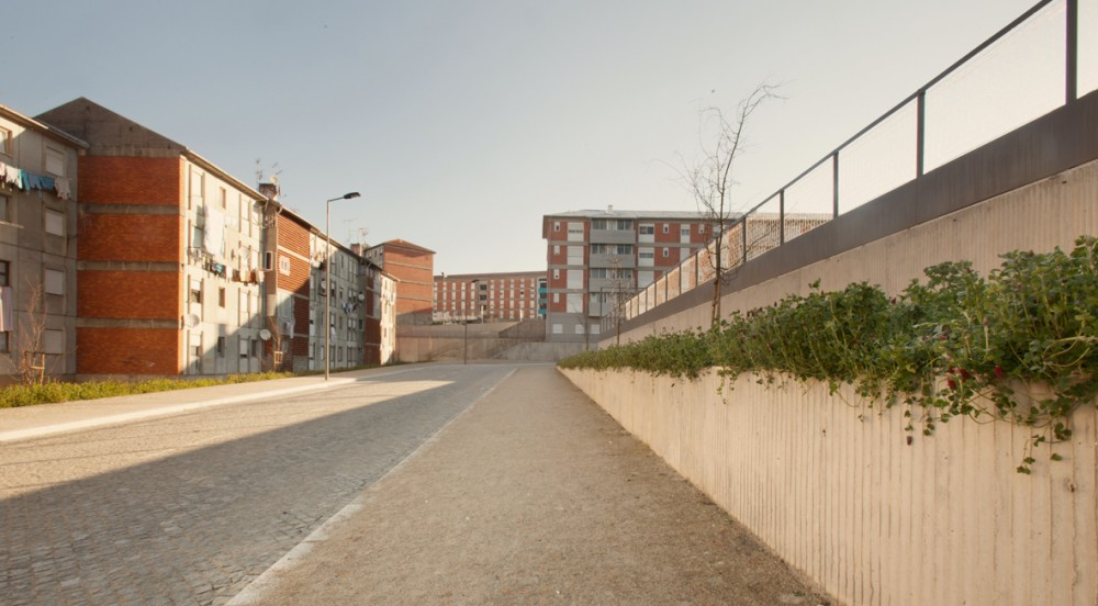 Lagarteiro Neighborhood: Urban Renewal of Public Space / Domitianus Arquitectura