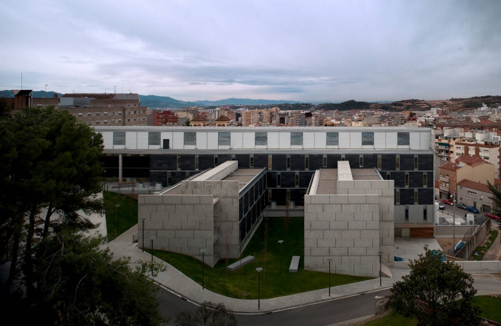 Hospital-Asilo of Granollers / Pinearq