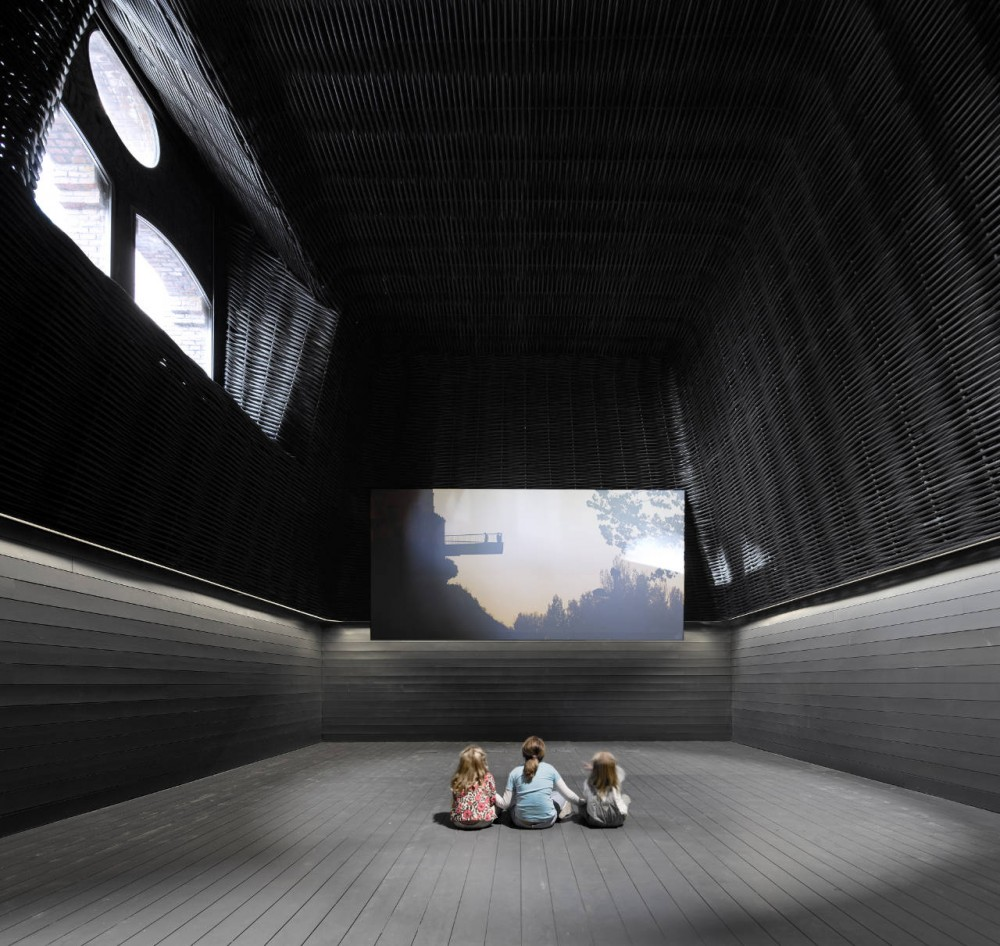 Cinema Center in Matadero de Legazpi / ch+qs arquitectos