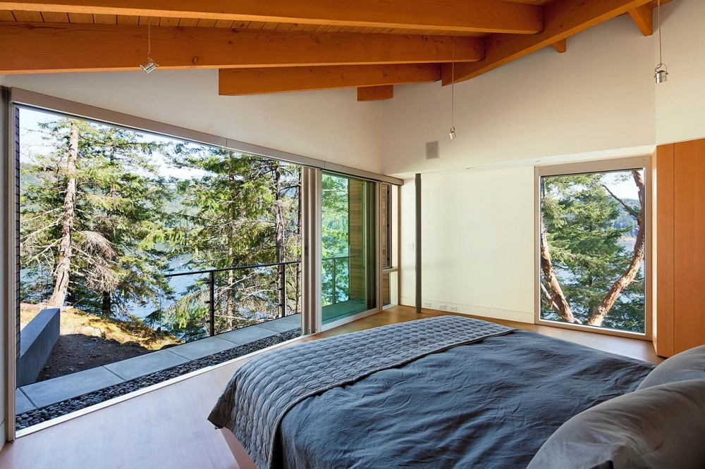 Gambier Island Retreat / BattersbyHowat Architects