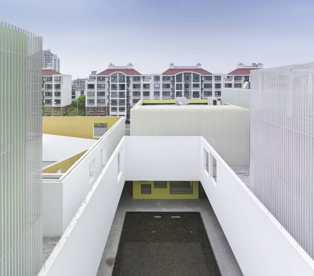 Youth Center of Qingpu / Atelier Deshaus
