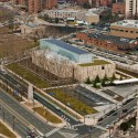 The Barnes Foundation Building / Tod Williams + Billie Tsien (35) Aerial view from the Benjamin Franklin Parkway and 20th Street. The Barnes Foundation, Philadelphia. (March 2012)  2012 Tom Crane