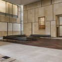 The Barnes Foundation Building / Tod Williams + Billie Tsien (31) View of the Light Court, looking south east. The Barnes Foundation, Philadelphia.  2012 Tom Crane