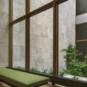 The Barnes Foundation Building / Tod Williams + Billie Tsien (27) Looking into the Gallery Garden. The Barnes Foundation, Philadelphia.  2012 Tom Crane