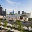 The Barnes Foundation Building / Tod Williams + Billie Tsien (22) Looking south east. The Barnes Foundation Philadelphia.  2012 Tom Crane