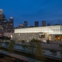 The Barnes Foundation Building / Tod Williams + Billie Tsien (21) Looking south east at night. The Barnes Foundation Philadelphia.  2012 Tom Crane