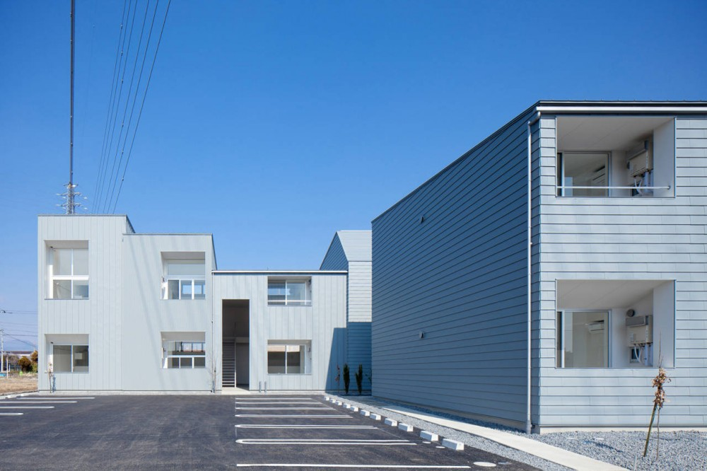 Ridge Apartment Complex in Gunma / SNARK + OUVI