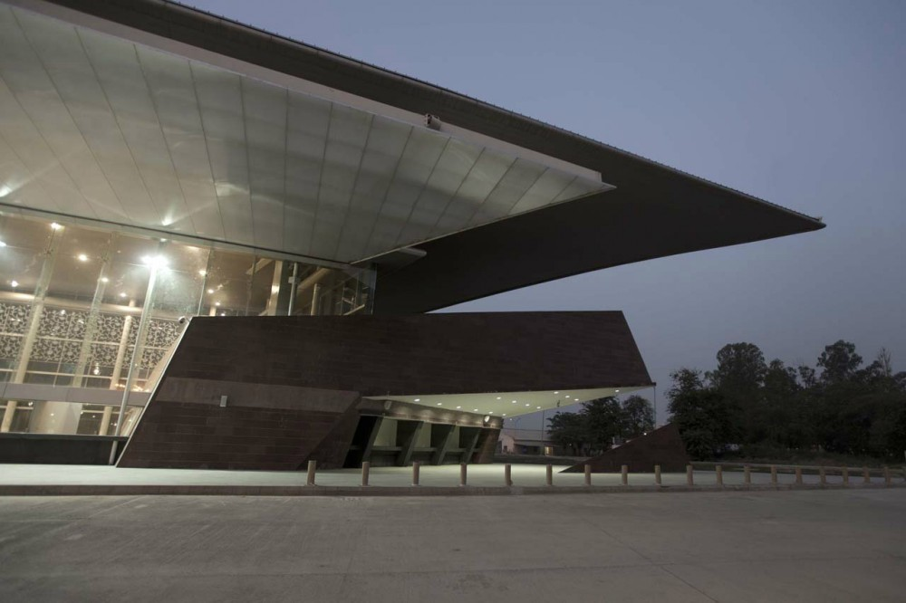 New Terminal at Lucknow Airport / S. Ghosh &#038; Associates