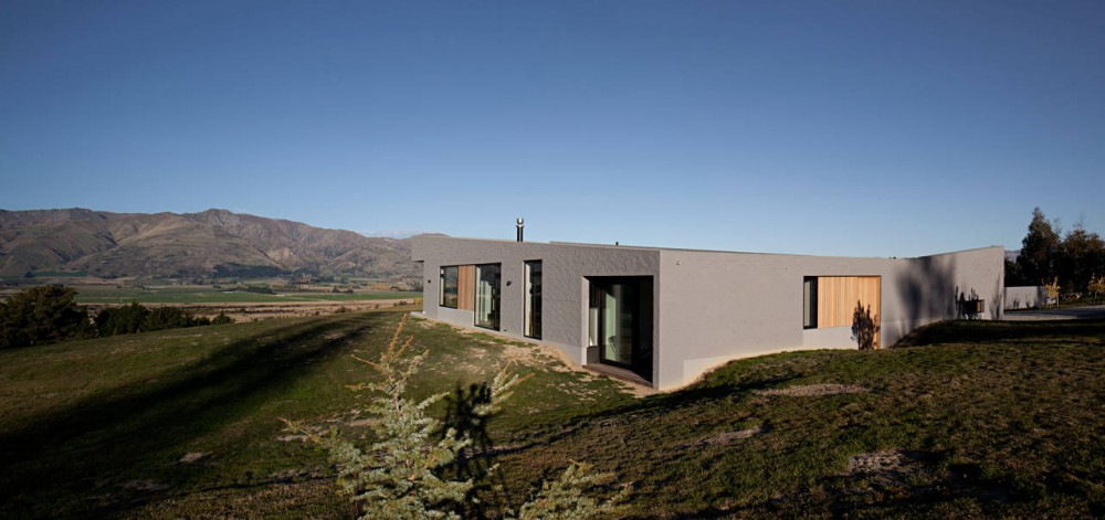 Lake Hawea Courtyard House / Glamuzina Paterson Architects