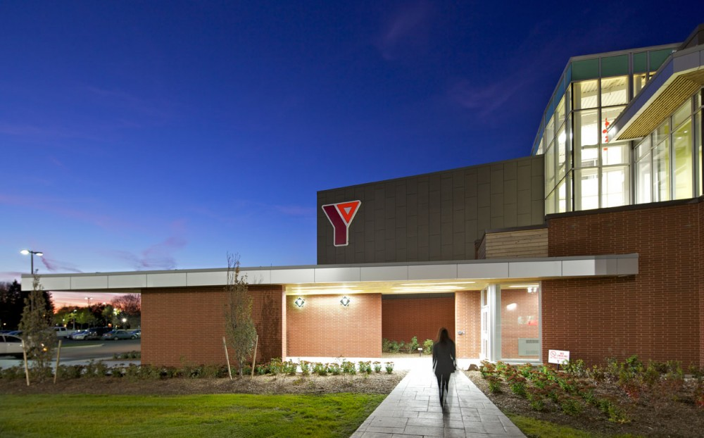 Chatham-Kent YMCA / Tillmann Ruth Robinson Architects
