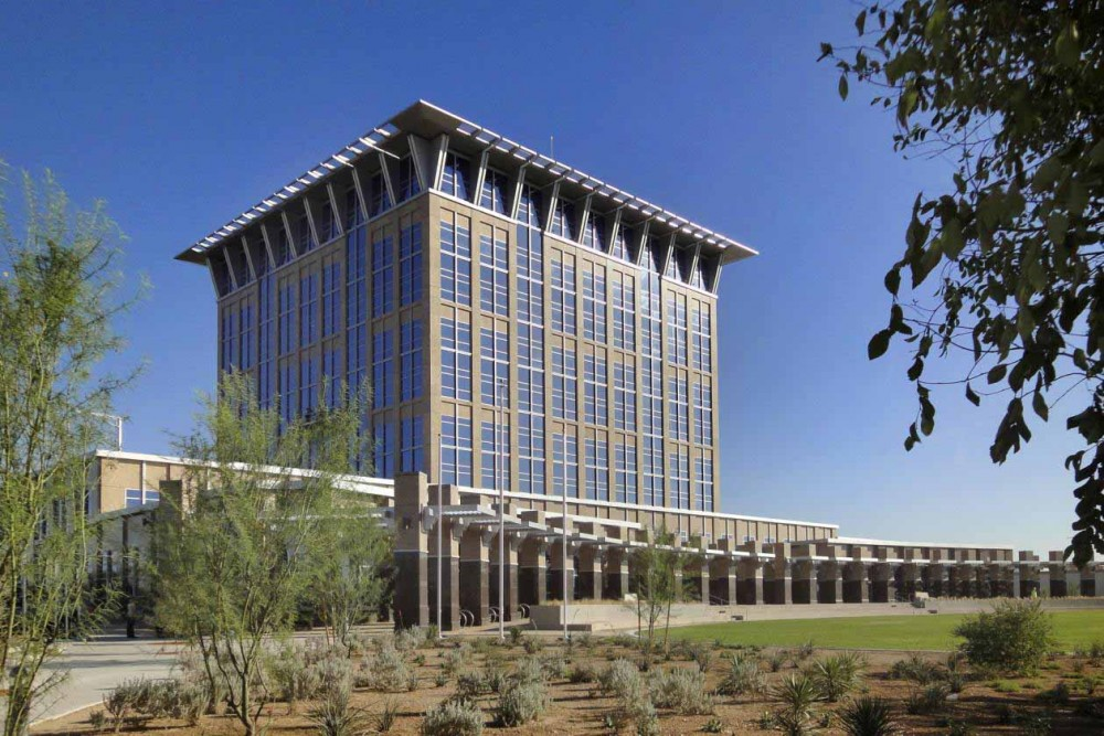 North Las Vegas City Hall and Civic Plaza Wins National Award / Fentress Architects
