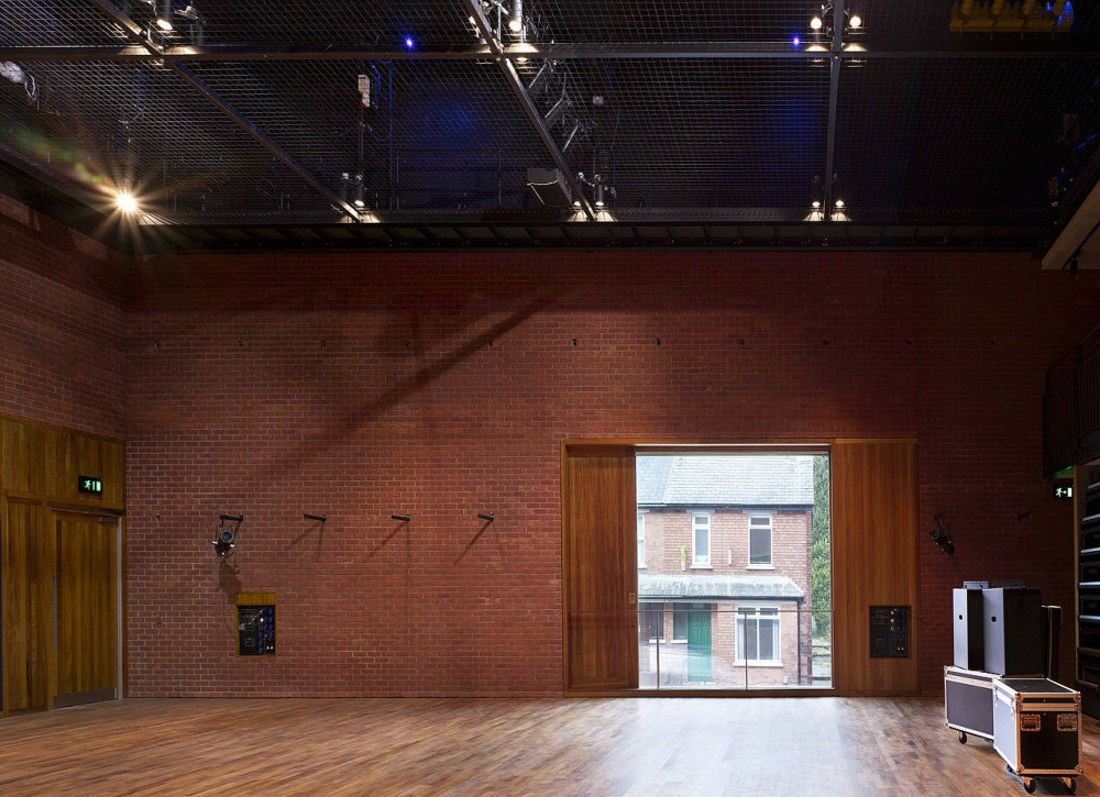 Lyric Theatre Belfast / O&#8217;Donnell &#038; Tuomey Architects