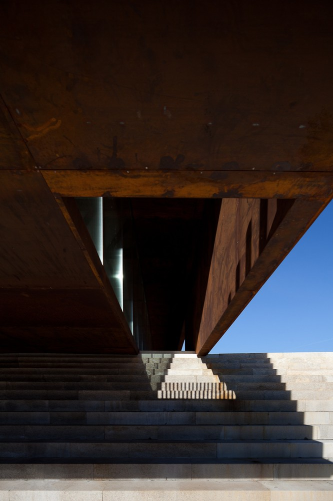 Lamego Multi Purpose Pavillion / Barbosa &amp; Guimares