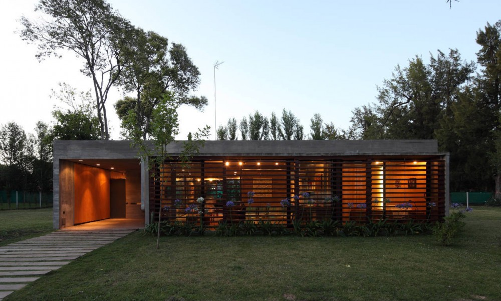 BA House / BAK Arquitectos