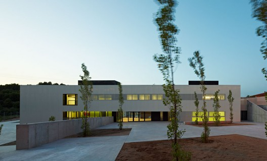"Kindergarden, Primary and Secondary School ""Les Vinyes"" (14) © Eugeni Pons"