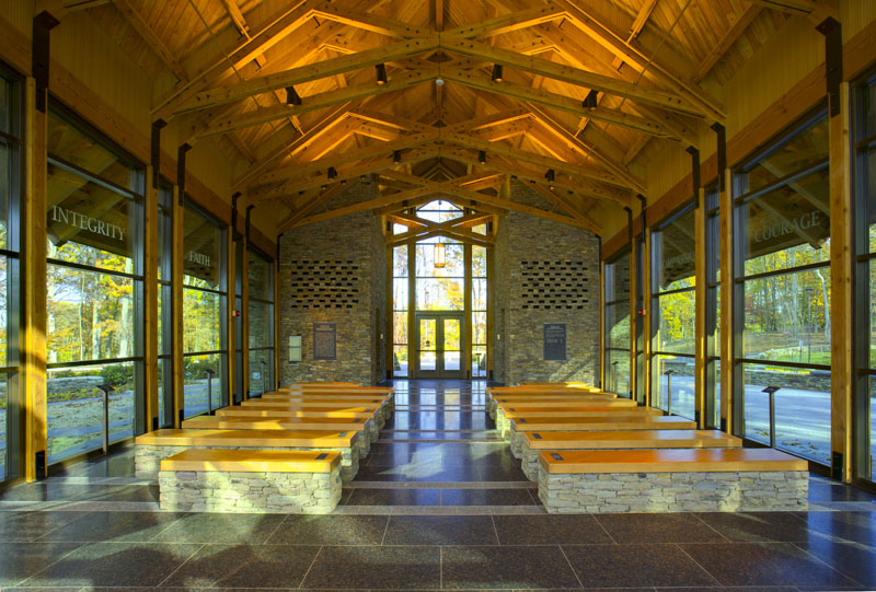 Semper Fidelis Memorial Chapel / Fentress Architects