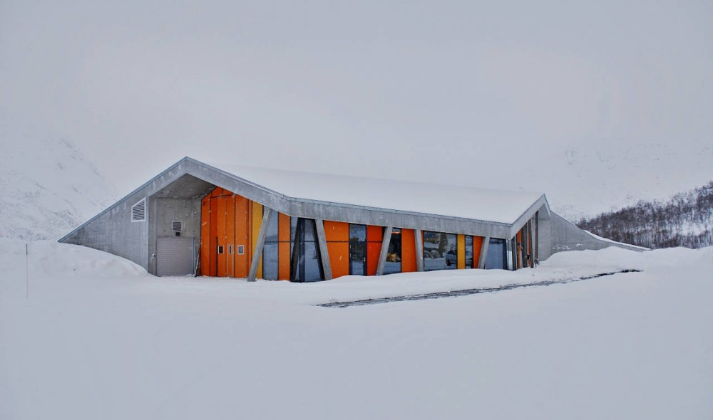Gullesfjord Weight Control Station / JVA