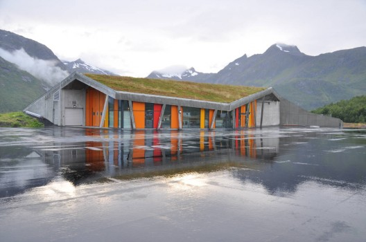 Gullesfjord Weight Control Station / JVA  Hkon Aurlien