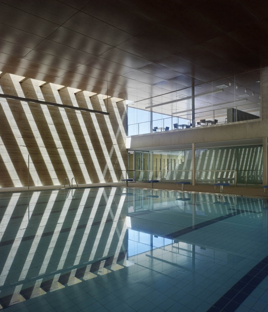 Architecture photography 1301674722 10 indoor swimming for Piscina climatizada zamora