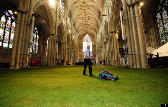 York Minster Abbey Goes Green – Literally