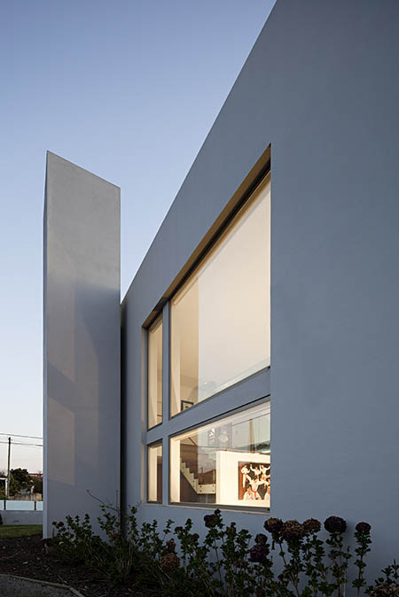 Paramos House / Atelier Nuno Lacerda Lopes