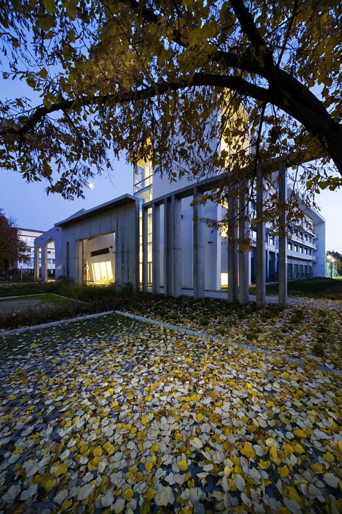Seed House / Peter Kovacs DLA, Istvan Lengyel