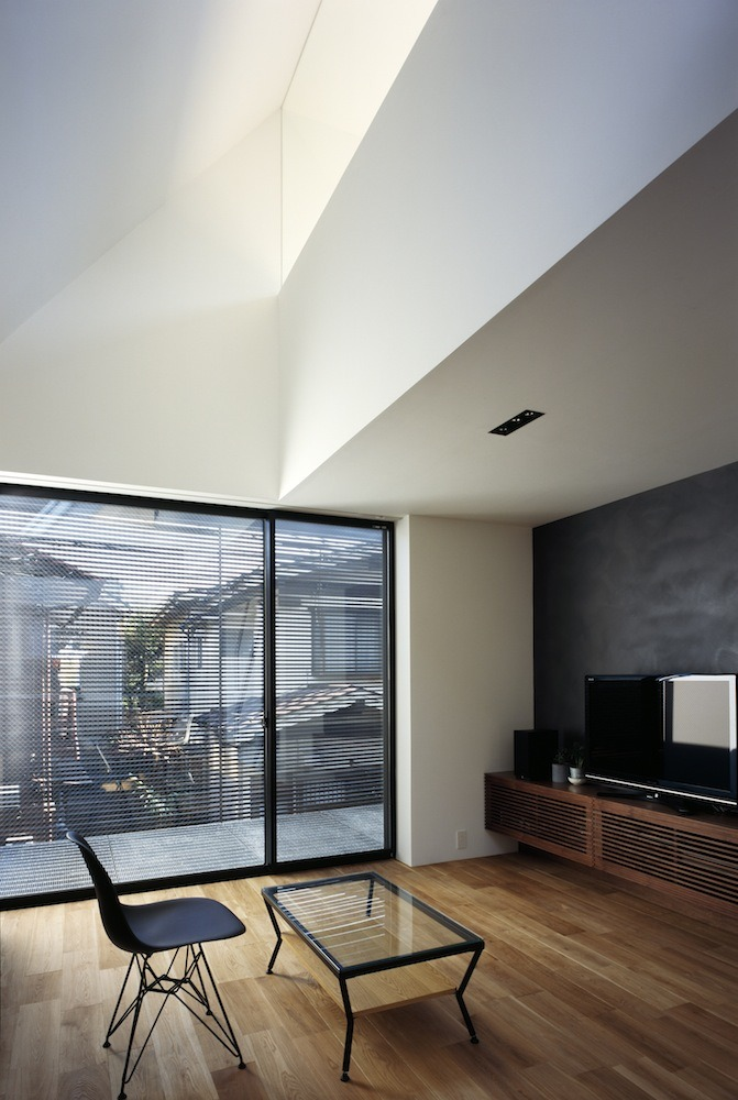 BRUN / APOLLO Architects &amp; Associates