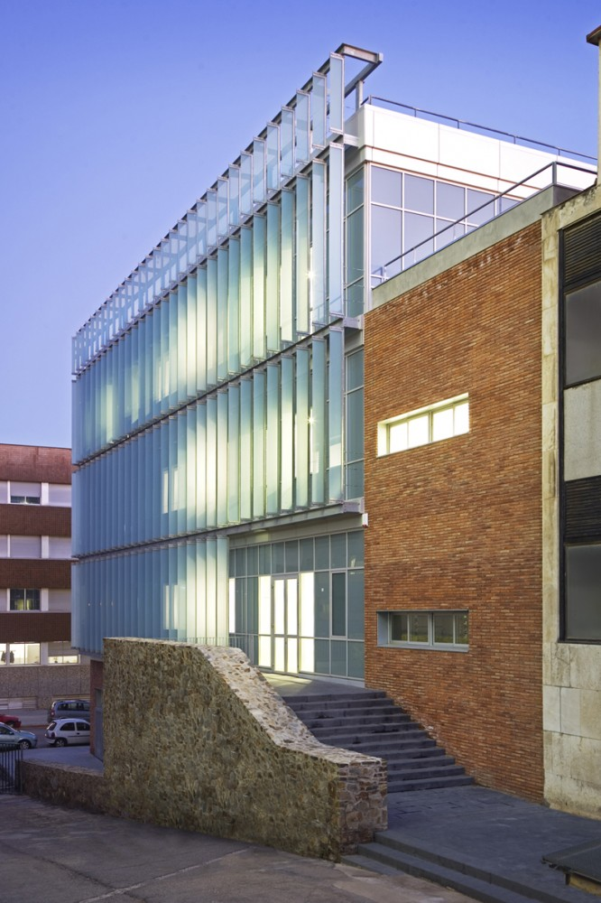 Etseib C&#8217; Departamental Building / Ravetllat Ribas Architects