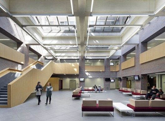 Kingston Business School / Hawkins\Brown  (5) © Hufton+Crow