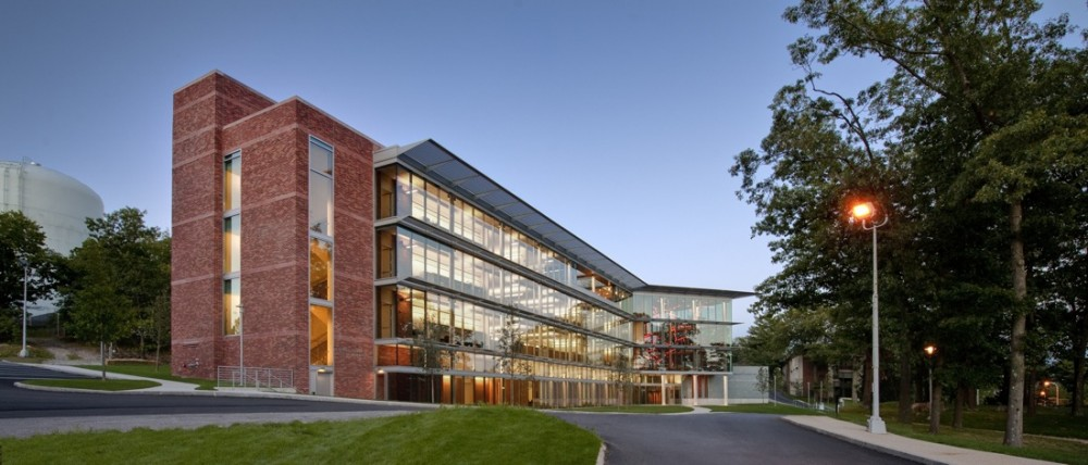 Brandeis Mandel Center / Kallmann McKinnell &amp; Wood Architects