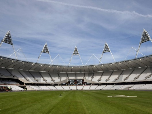 London Olympic Stadium / Populous © Morley von Sternberg