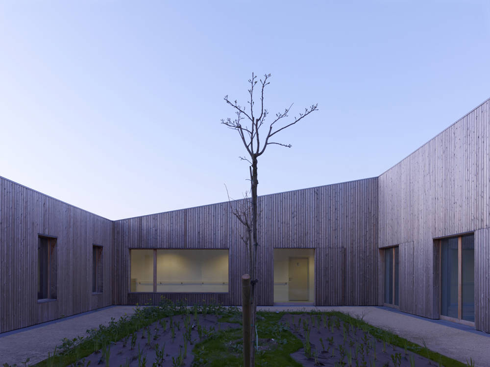 Medical Cared Center for Disabled Persons / Atelier Zündel & Cristea