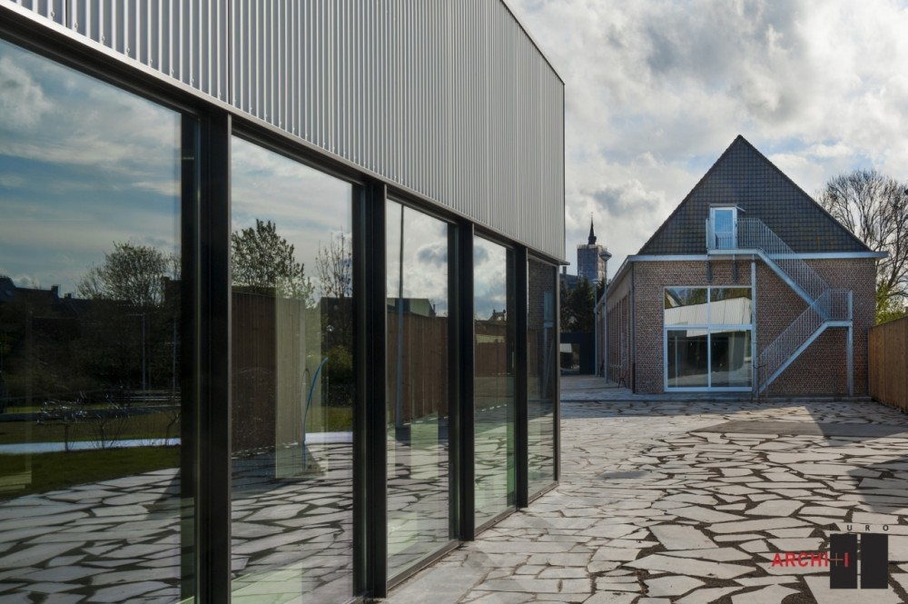 Poperinge Youth Centre / Buro II &#038; Archi+I