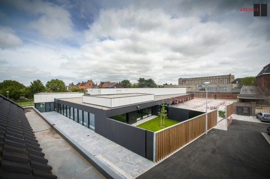 Poperinge Youth Centre / Buro II &amp; Archi+I  Klaas Verdru