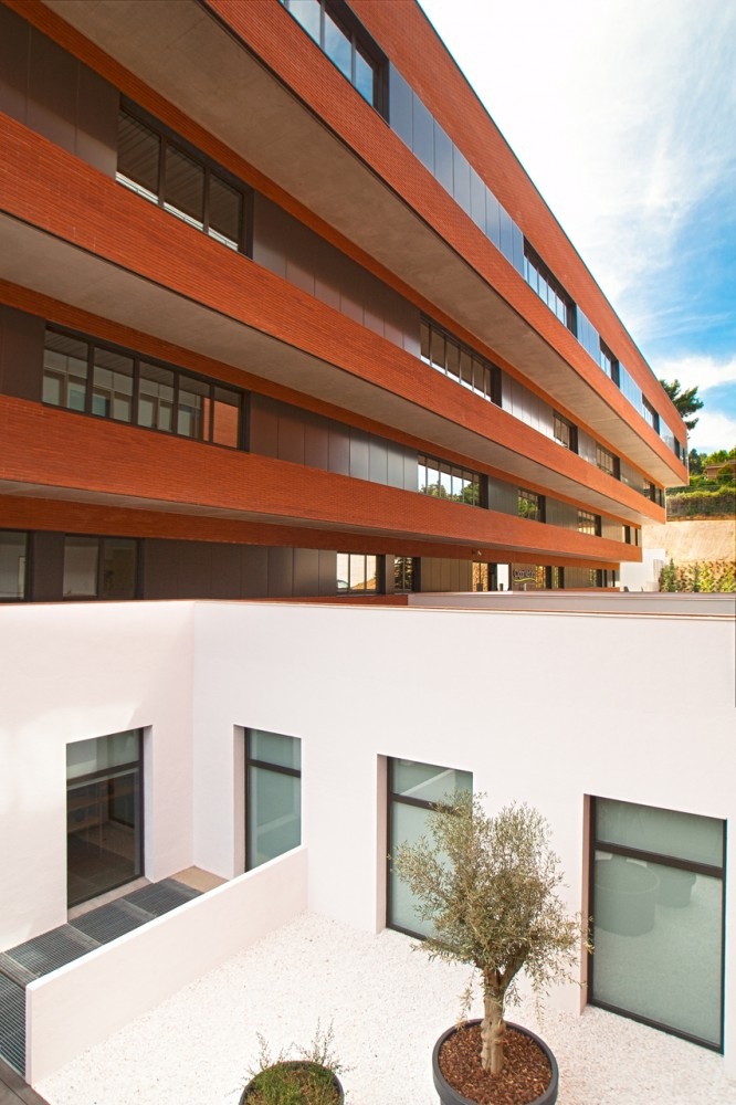 Residential Center Cugat Natura / JF Arquitectes
