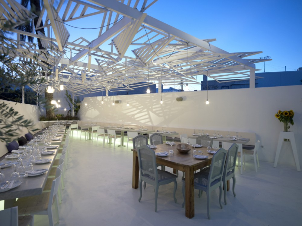 Phos Restaurant in Mykonos Town / LM Architects