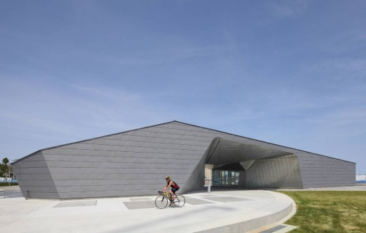 Sherbourne Common Pavilion / Teeple Architects  Shai Gil