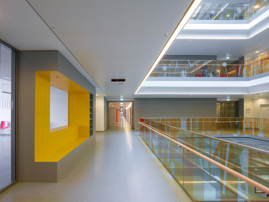 Ulm Surgical Center /  KSP Jürgen Engel Architekten