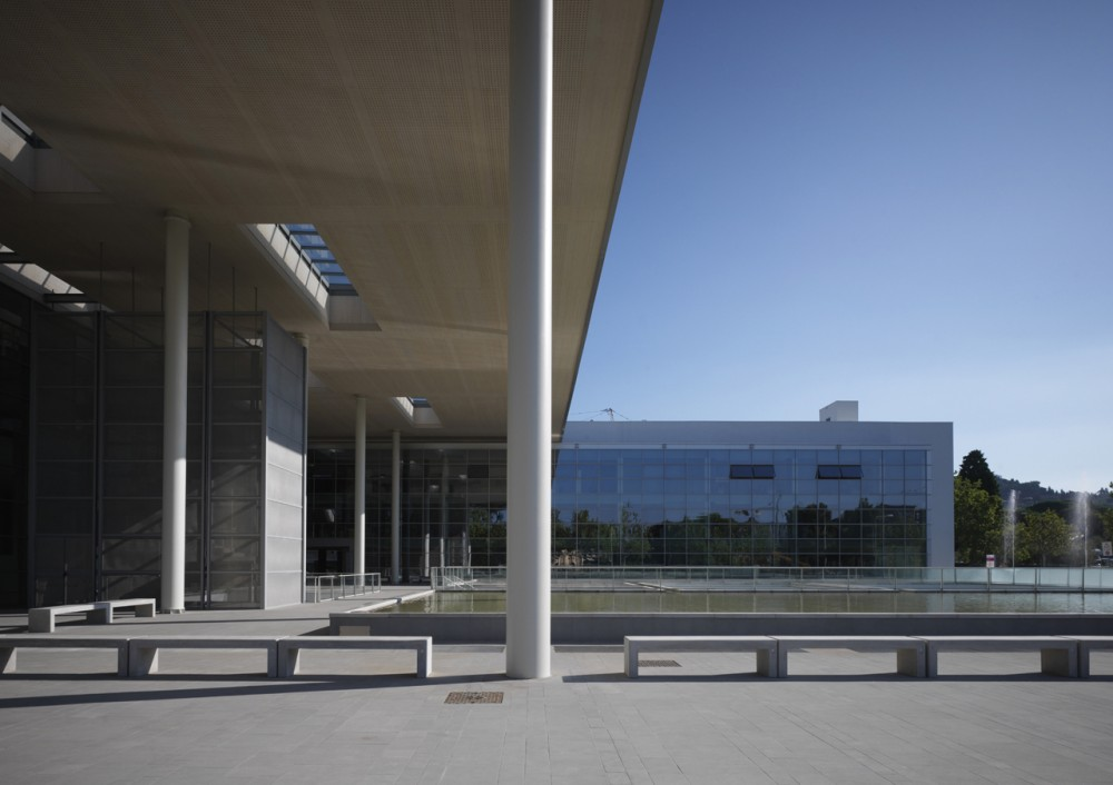 New Entrance of Careggi Hospital / IPOSTUDIO Architects