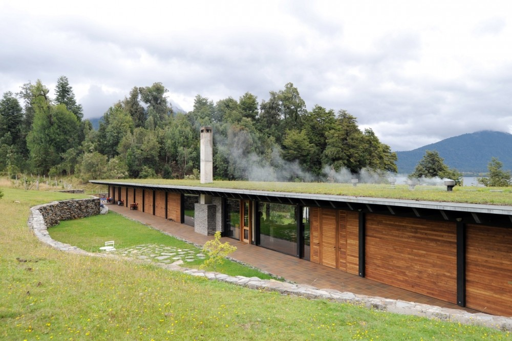 House at lake Rupanco / Izquierdo Lehmann