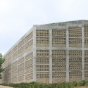 Tongjiang Recycled Brick School  / Joshua Bolchover - John Lin Courtesy of Rufwork