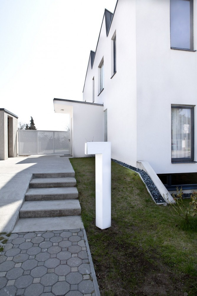 My Cousins House / Martin Mstbock