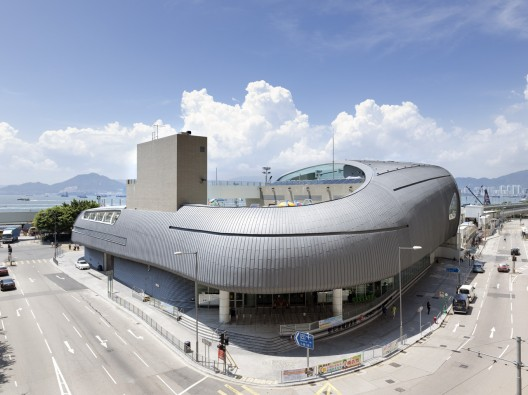 Kennedy Town Swimming Pool / TFP Farrells © Marcel Lam