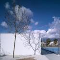 Rooms and sports facilities in a park / GANA Arquitectura © Jesús Granada