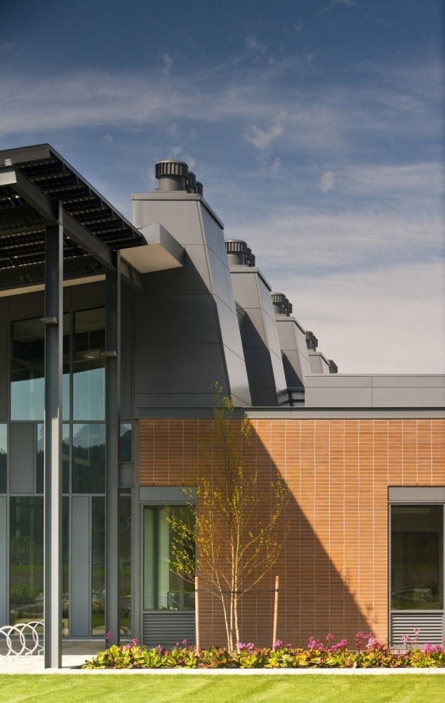 PCC Newberg Center / Hennebery Eddy Architects