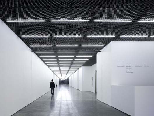 White Cube Bermondsey / Casper Mueller Kneer Architects  Paul Riddle
