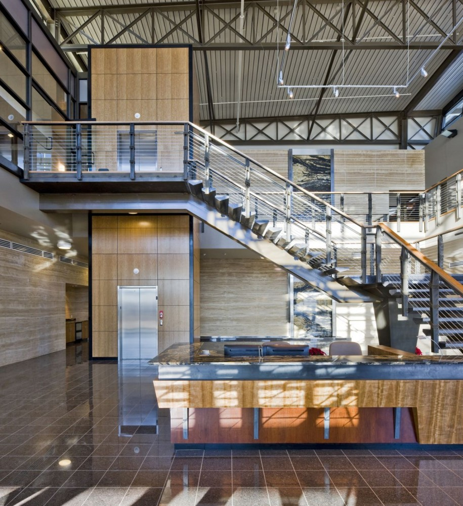 Mack Energy Corporate Headquarters / Van H. Gilbert Architect