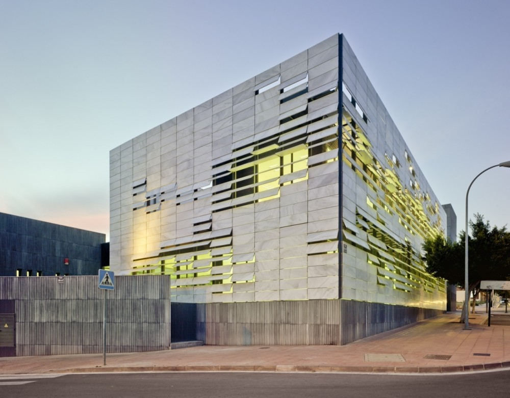 North Mediterranean Health Center / Ferrer Arquitectos