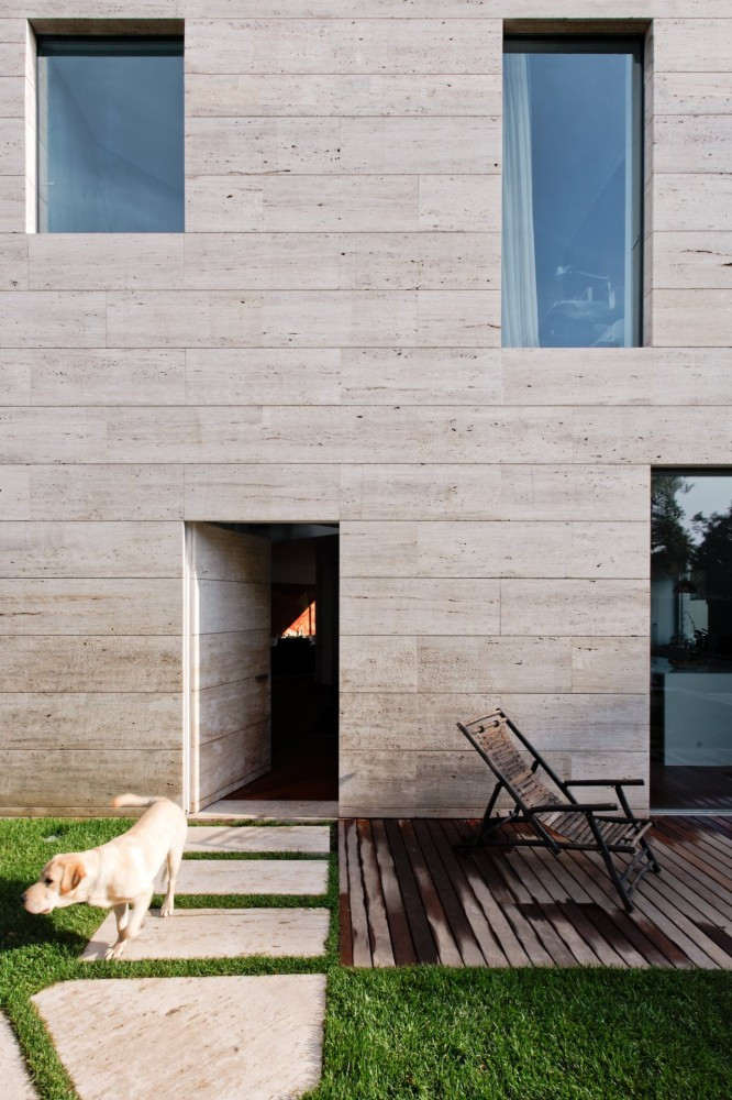 L02CR House / ARQX Architects